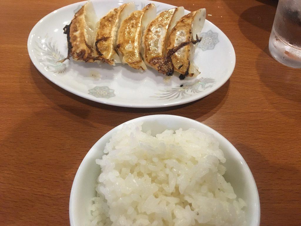 麺王餃子めし